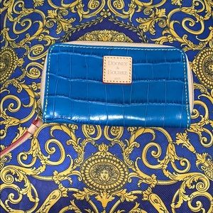 DOONEY & BOURKE EMBOSSED LEATHER WALLET/CLUTCH